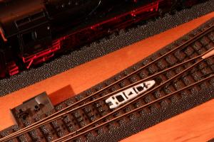 Puko Isolator für schlanke C-Gleis Weiche von Märklin (24711 und 24712)
